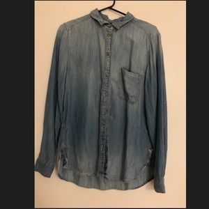 American Eagle: Chambray Boyfriend Fit Button-Up